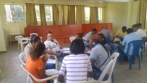 "FDD imparte taller sobre ""Desarrollo Empresarial"" a recicladores de Samaná"