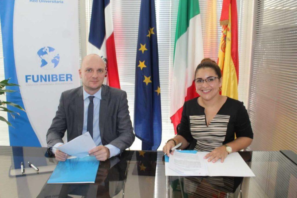 Cámara de Comercio Dominico-Italiana y FUNIBER firman acuerdo para becas de maestría y doctorado