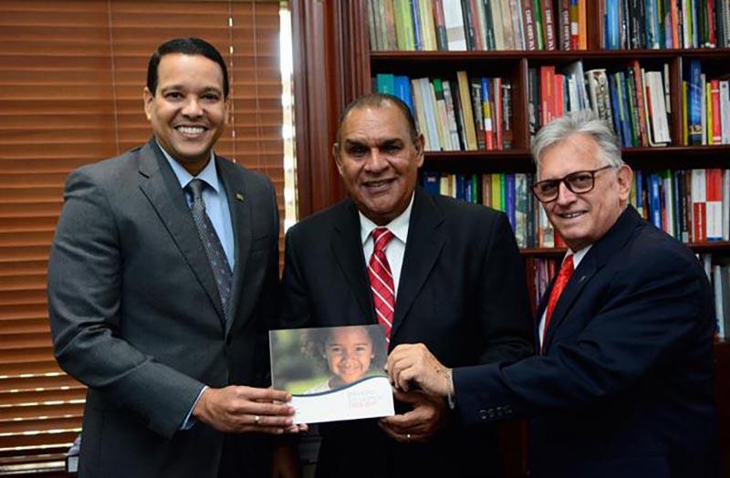 """Alianza """"Sanar una Nación"""" entrega RD$7,000 MM en medicamentos"""