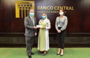 Voluntariado Bancentraliano dona fondos a Casa Divino Niño Jesús